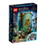 LEGO Harry Potter Trenutak iz Hogwartsa: Sat Čarobnih napitaka (76383)